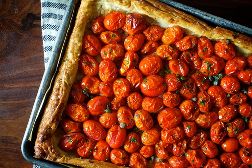 herbed tomato and roasted garlic tart