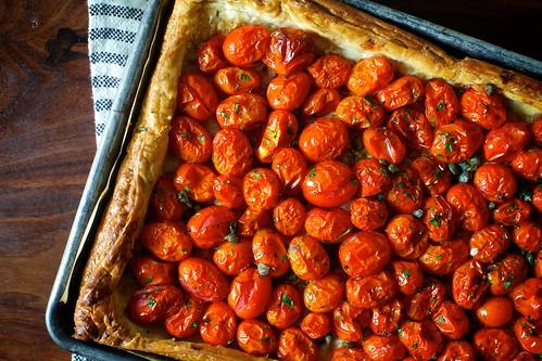 herbed tomato and roasted garlic tart