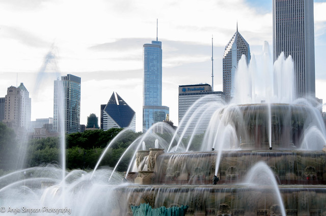 fountain and city closer (1 of 1)