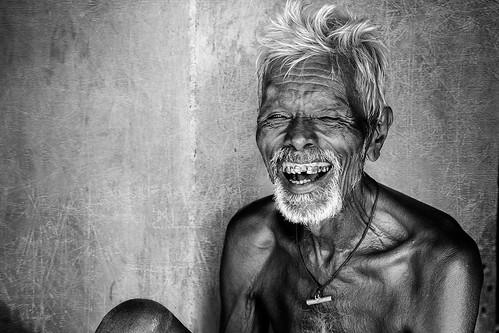 old happy oldman farmer delighted happiness2014bwbsankaranarayanchennaiweekendclickerscwccwcchennaiweekendclickersd7000indiamonochromenikonpeoplesankaranarayansbpsbphotographysouthindiatamilnaduvillage