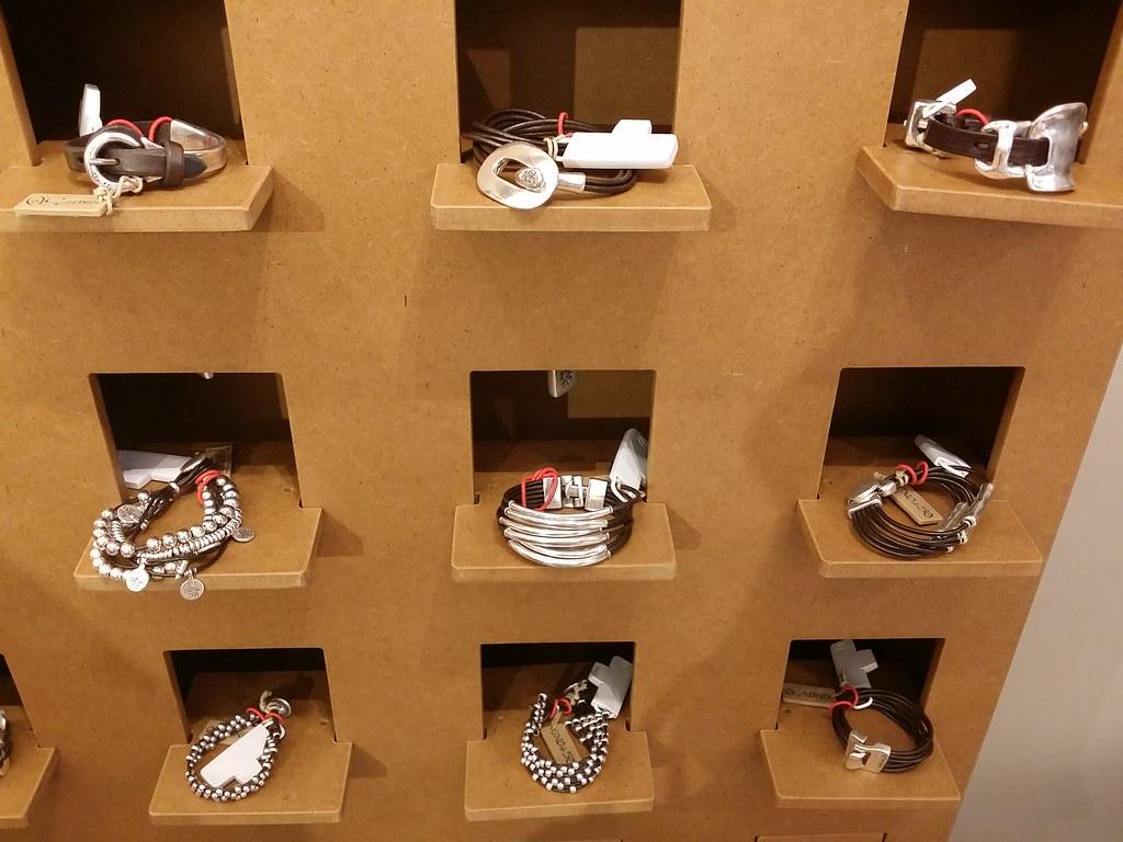 Uno-de-50-leather-bangles