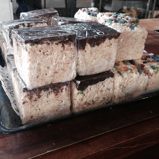 Ginormous Rice Krispy Treats!