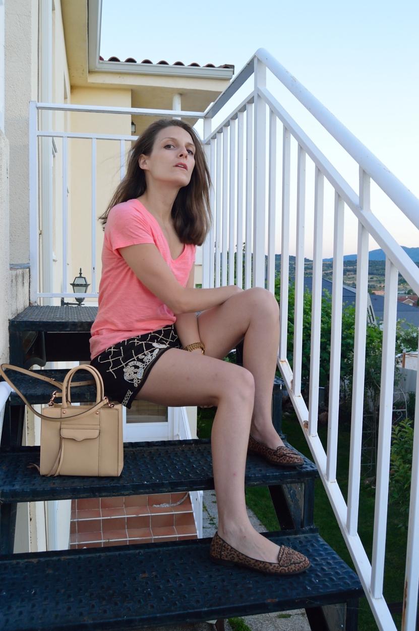 lara-vazquez-madlula-blog-style-fashion-coral-tee