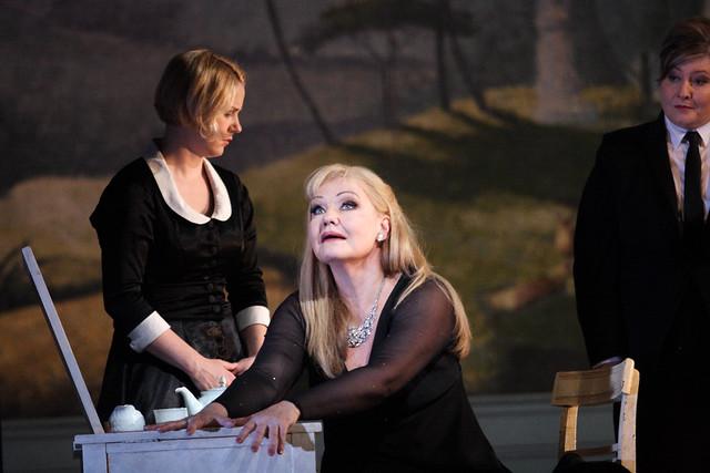 Karita Mattila as Ariadne in Ariadne auf Naxos © ROH / Catherine Ashmore 2014