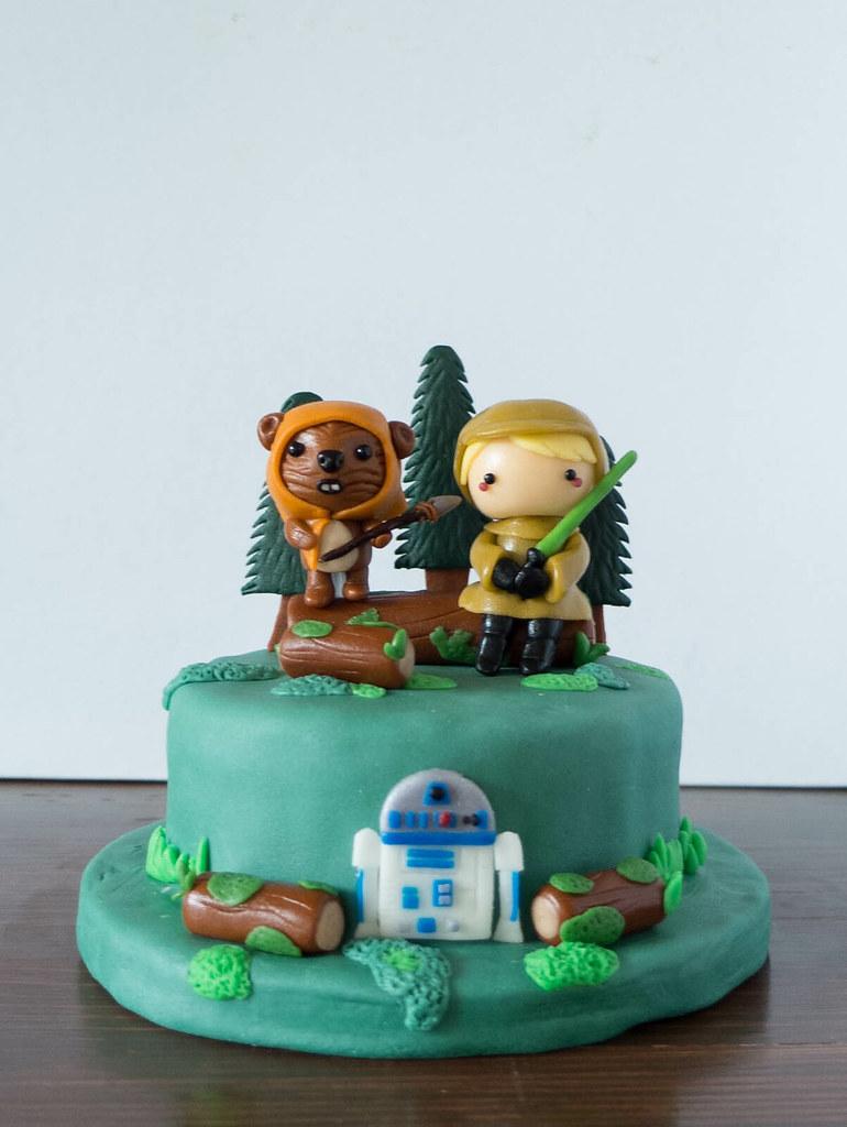 4inch Endor Cake