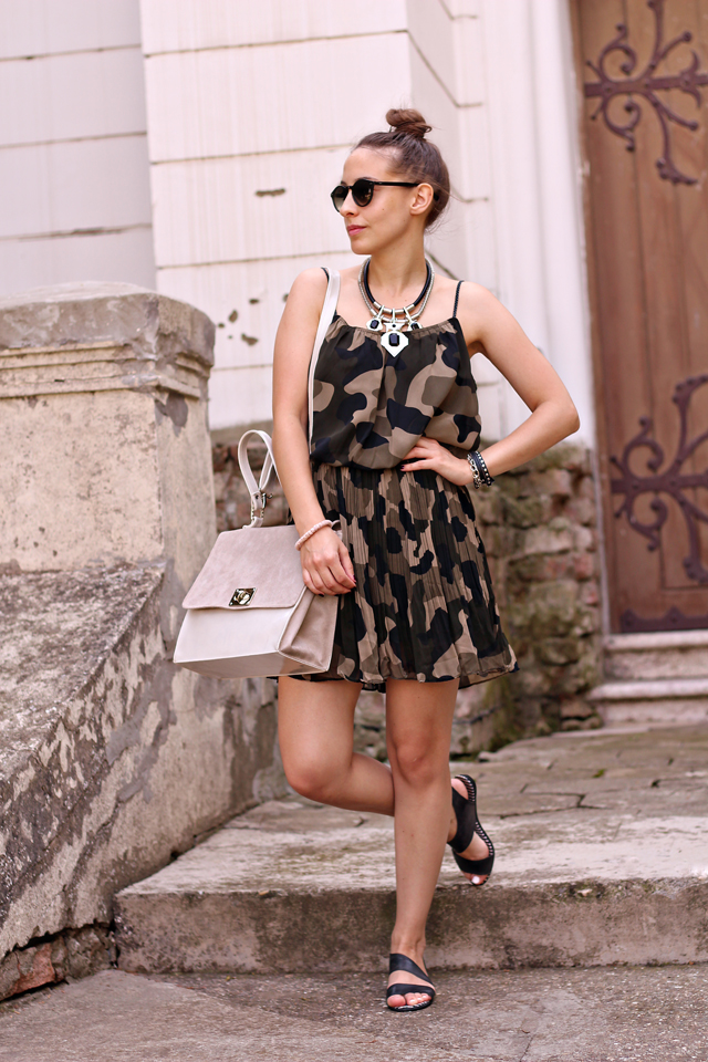 camo-print-dress-cipelica-stiklica-1