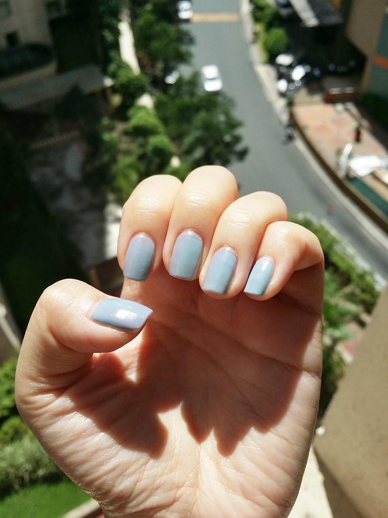 Ruby-wing-grey-blue-polish