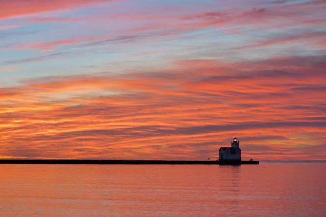 Kewaunee, Lighthouse, WI, Sunrise, Clouds