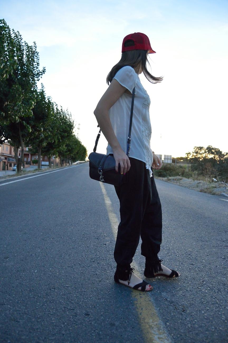 lara-vazquez-mad-lula-style-streetstyle-cap-look