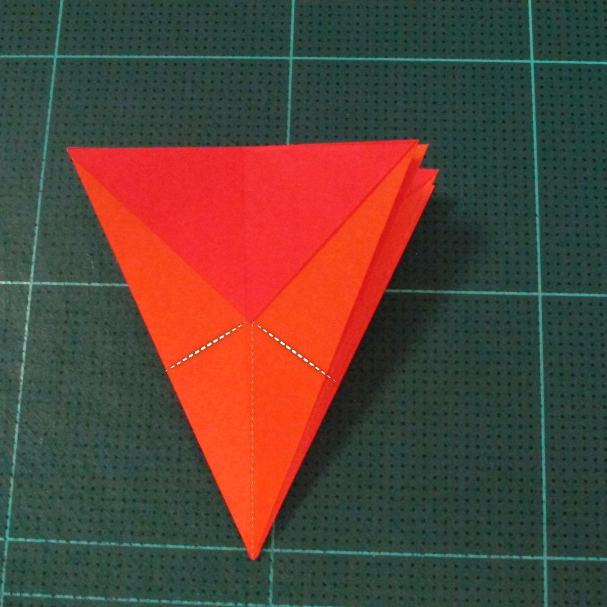 วิธีพับกระดาษเป็นช่อดอกไม้ติดอกเสื้อ (Origami Wedding Chest Flower) 013