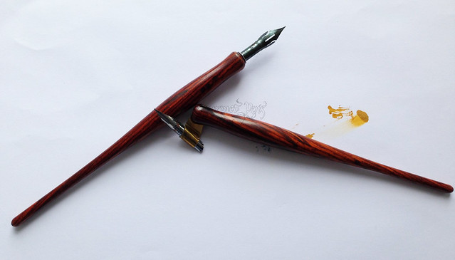 Review: Handmade Oblique & Straight Dip Nib Holders