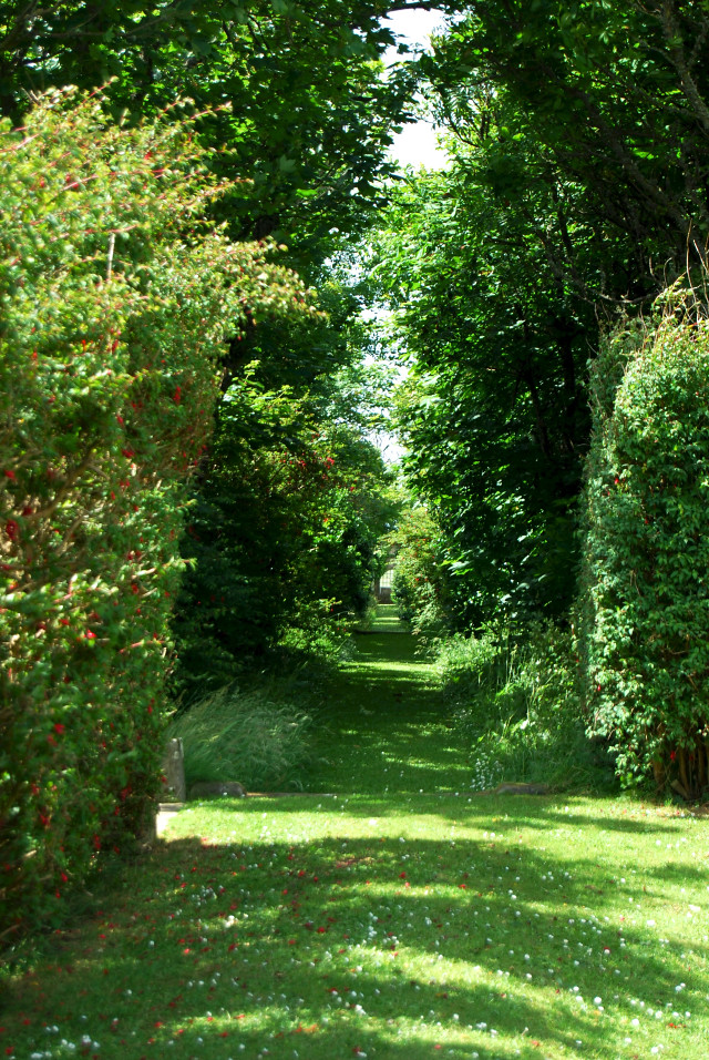 Balfour Castle Hidden Garden path