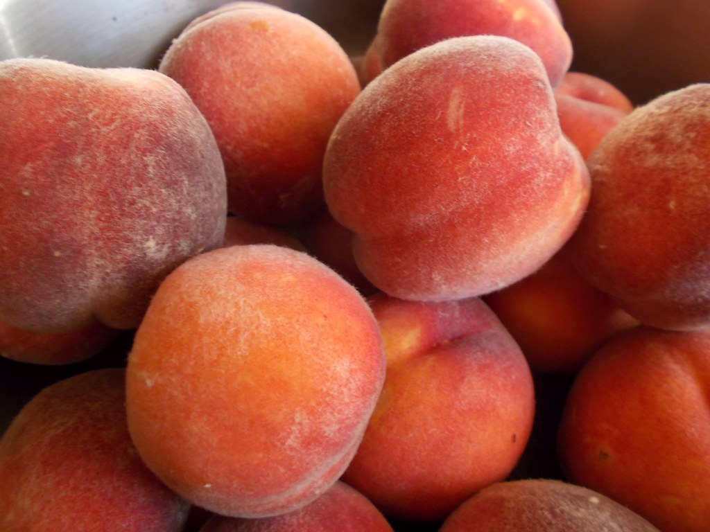 peaches frozen, sliced, sweetened