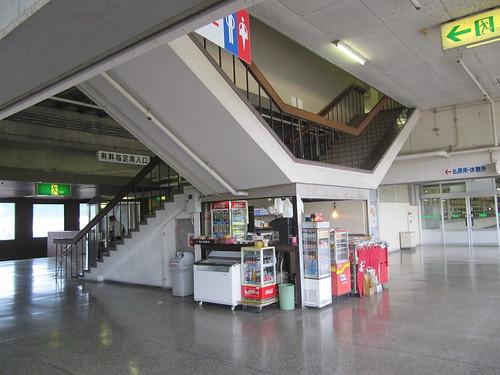 佐賀競馬場の指定席入口