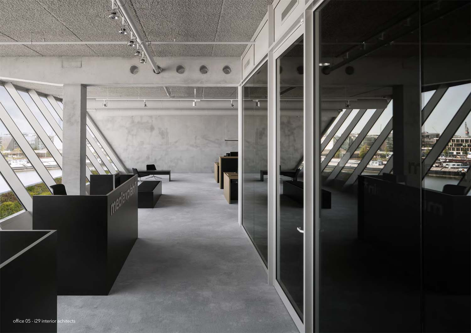 office 05 design by i29 interior Architects