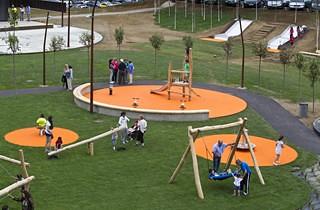 Cazo�a estrena parque