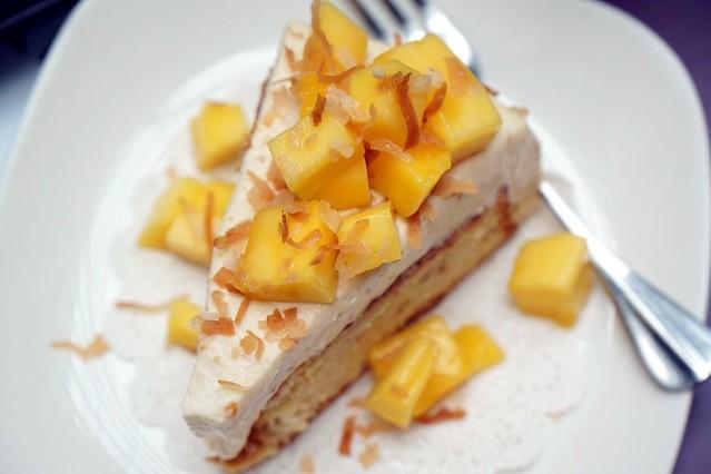 mangosteen cake, cempedak cake, avocado - swich cafe publika-008