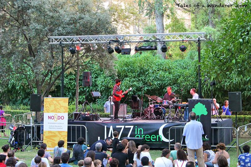 SEVILLA - Parque de María Luisa - (2º Jazz in Green - Miguelo Delgado Trio)