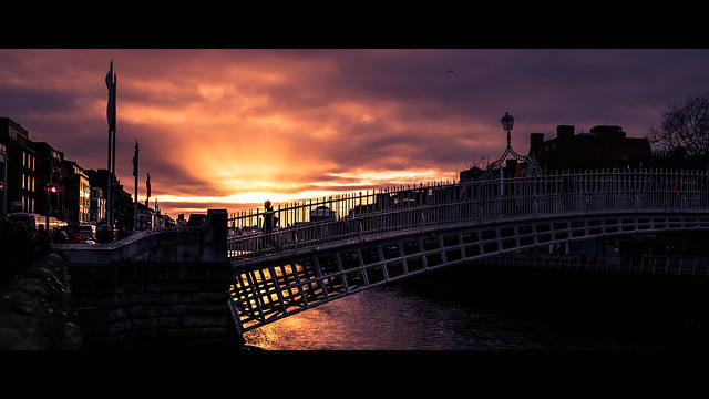 Ha'Penny Bridge - Dublin, Ireland - Color street photography