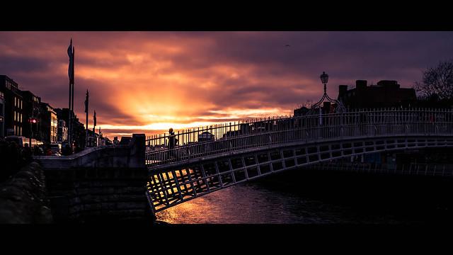 Ha'Penny Bridge - Dublin, Ireland - Color street photography