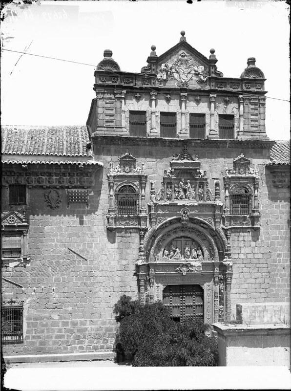 Hospital de Santa Cruz a comienzos del siglo XX. Fotografía de J. Lacoste © MECD, Fototeca del IPCE, signatura VN-22612_P