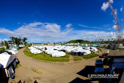 philippines unhcr haiyan yolanda leyte tanauan tacloban unitednationshighcommissionerforrefugees canonef815mmf4lusm ef815mmf4lfisheyeusm canonef815mmf4lfisheyeusm typhoonhaiyan typhoonyolanda tanauannationalhighschool