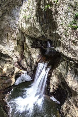 fiume slovenia grotte cascata reka skocjanske skocjanskejame timavo divaccia grottedisancanzian