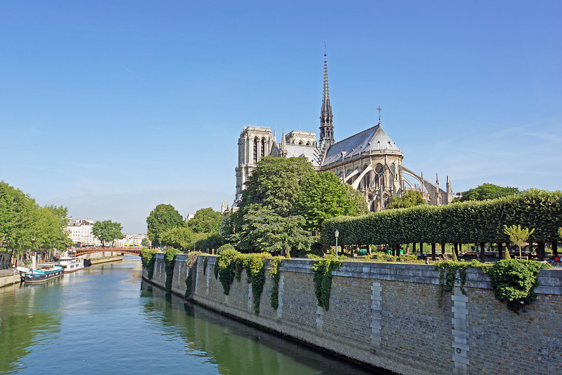 France-000256 - Leaving Notre-Dame