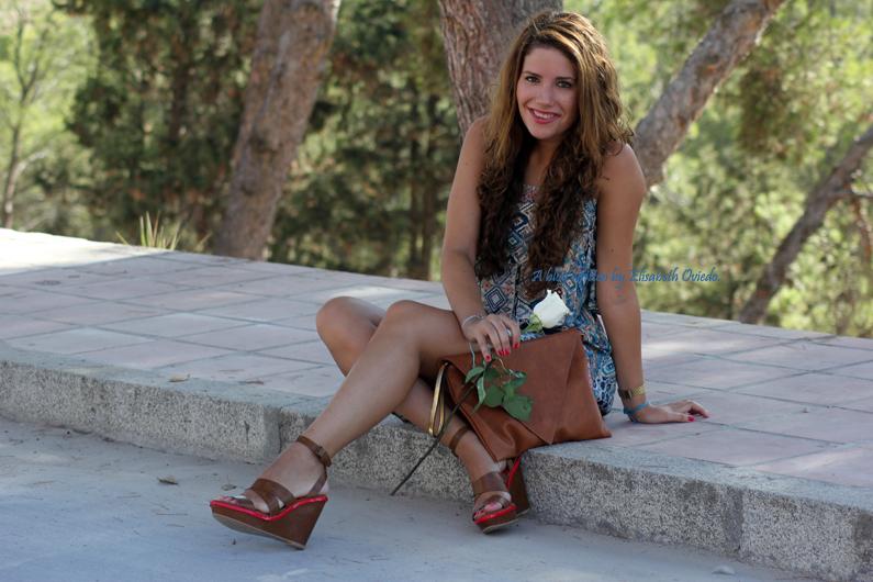 vestido-étnico-oasap-y-cuñas-marrones-zara-HEELSANDROSES-(9)