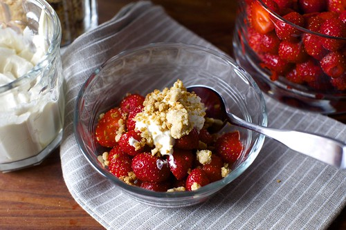 strawberries and cream with graham crumbles