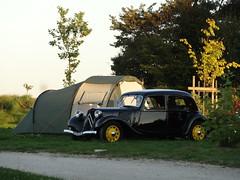 80 Jahre Citroen Traction Avant 2014 La Ferte-Vidame 710 Camping Huttopia Senonches