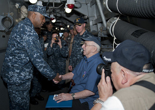 Arizona Survivor Visits USS Kidd