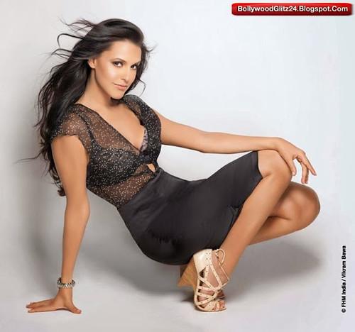 Neha Dhupia desnuda en Julie ANCENSORED