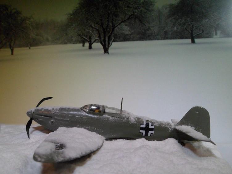 La Dame de la neige [Heinkel 112 B Heller 1/72] 14493437850_4655722f53_b