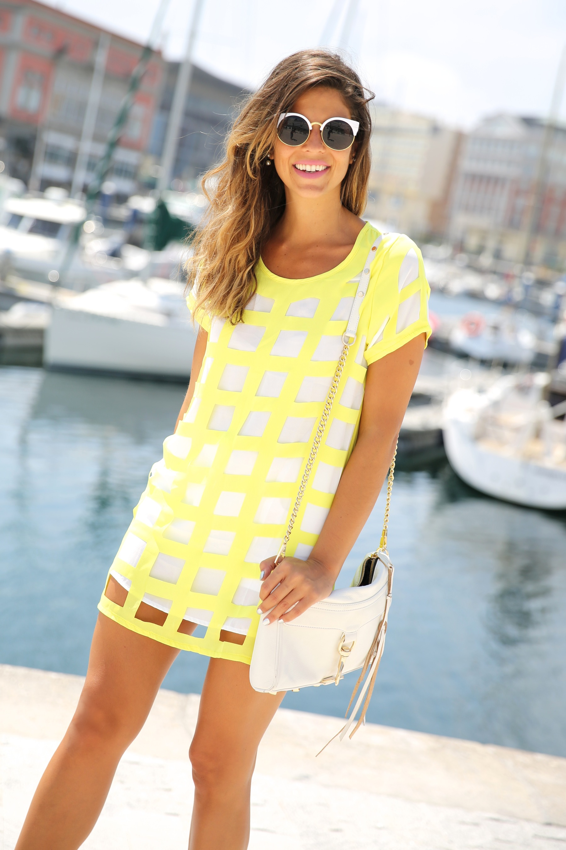 trendy_taste-look-outfit-street_style-ootd-blog-blogger-moda_españa-fashion_spain-coruña-galicia-sandalias_plataforma-platform_sandals-rebecca_minkoff-yellow-amarillo-vestido-dress-plaid-cuadros-7