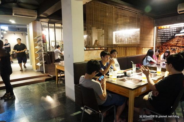 14624913375 23be197cae o - 【台中東海】咕嚕咕嚕-餐廳氣氛佳,鍋物不貴,壽喜燒可任選兩種肉!