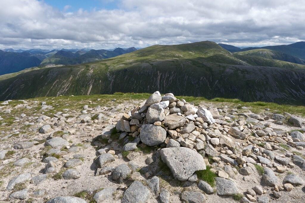 Summit cairn of Glas Bheinn Mhor