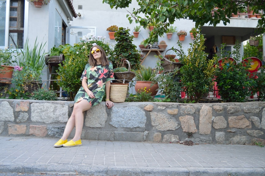 lara-vazquez-mad-lula-fashion-style-summer-tropic-easy
