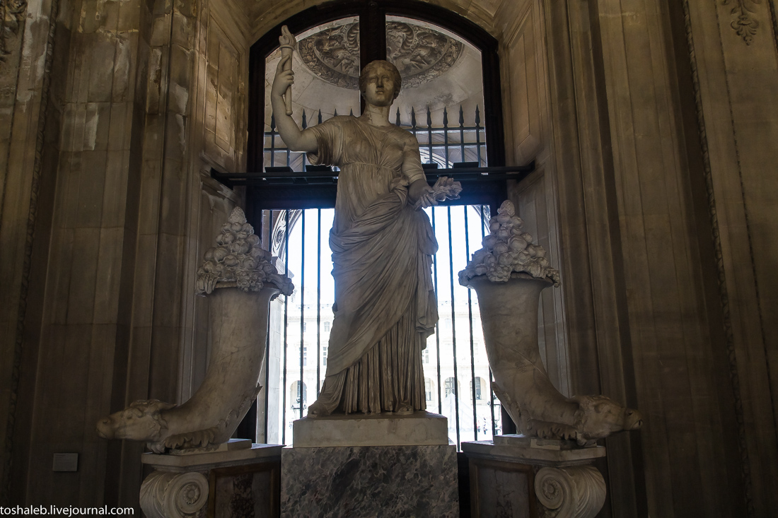 Louvre-52