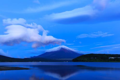 mountain lake fuji 日本 山梨県 南都留郡 yamananako