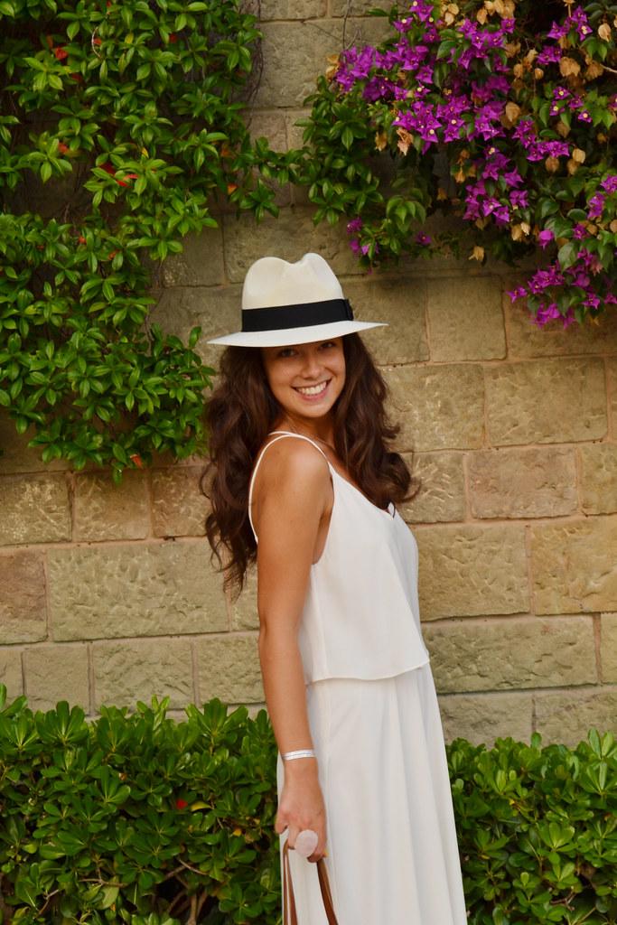 Cómo combinar tu vestido blanco