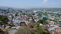 Panorama Tbilisi z górnej stacji kolejki linowej.