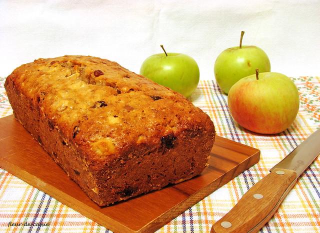 яблочный кекс с орехами и изюмом Дори 1
