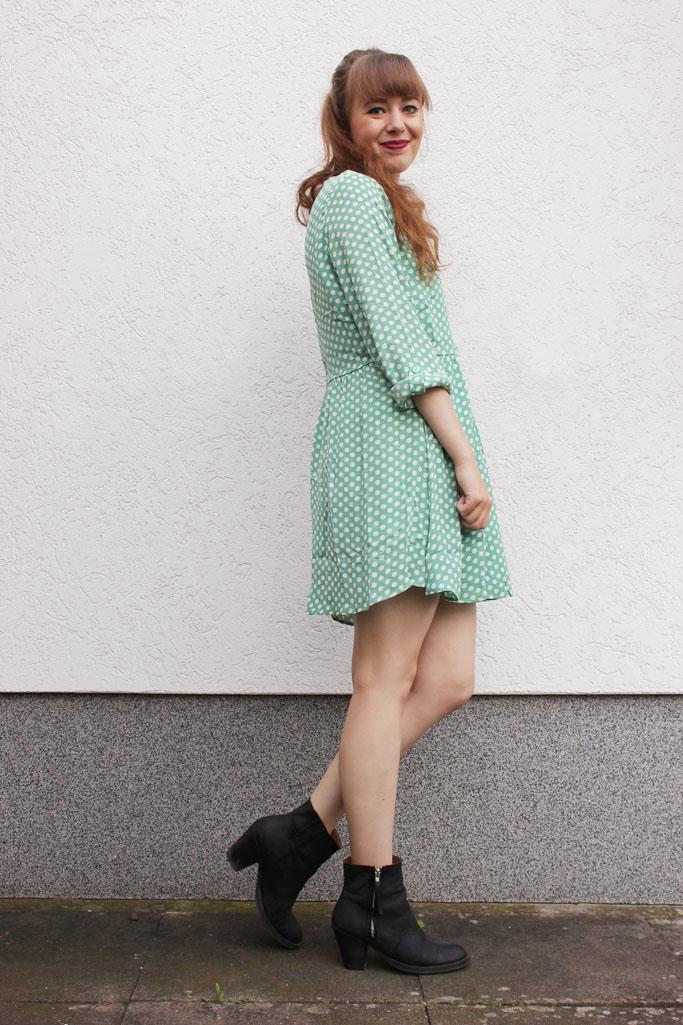 Kleid und boots kombinieren - polka dot dress mint - trend zara blogger outfit 2014