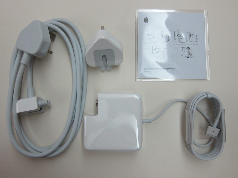 Apple 60W MagSafe 2 Power Adapter - Box Contents