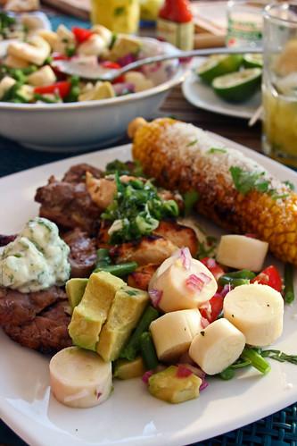 14359043483 dbda4df3da Churrasco de boeuf, maïs à la mayonnaise et Chimichurri sauce