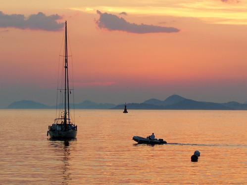 sunset sea sky sun mer clouds de soleil boat coucher croatia ciel nuages bateau cavtat voilier croatie hrvatska dalmatia damatie flickraward flickraward5