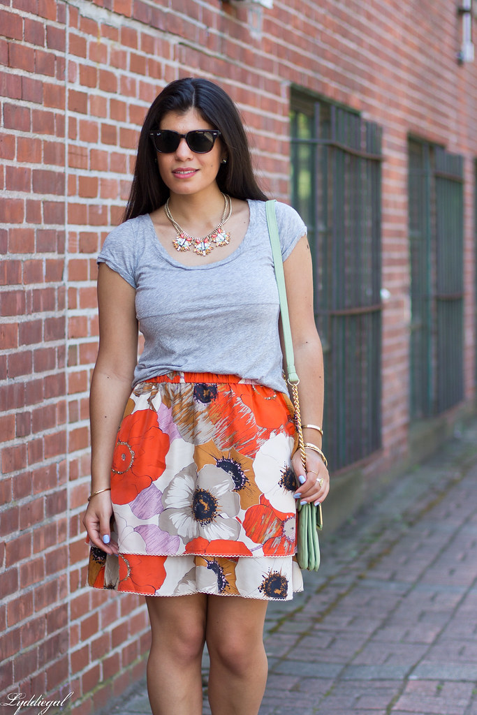 grey tee, floral skirt, mint bag-4.jpg