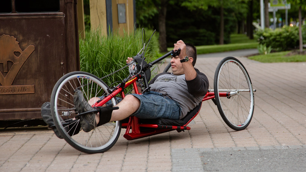 Handcycle à la Vélogare du Grand-Tronc de Victoriaville