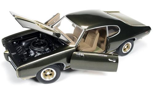 AMM1042 1969 GTO-4